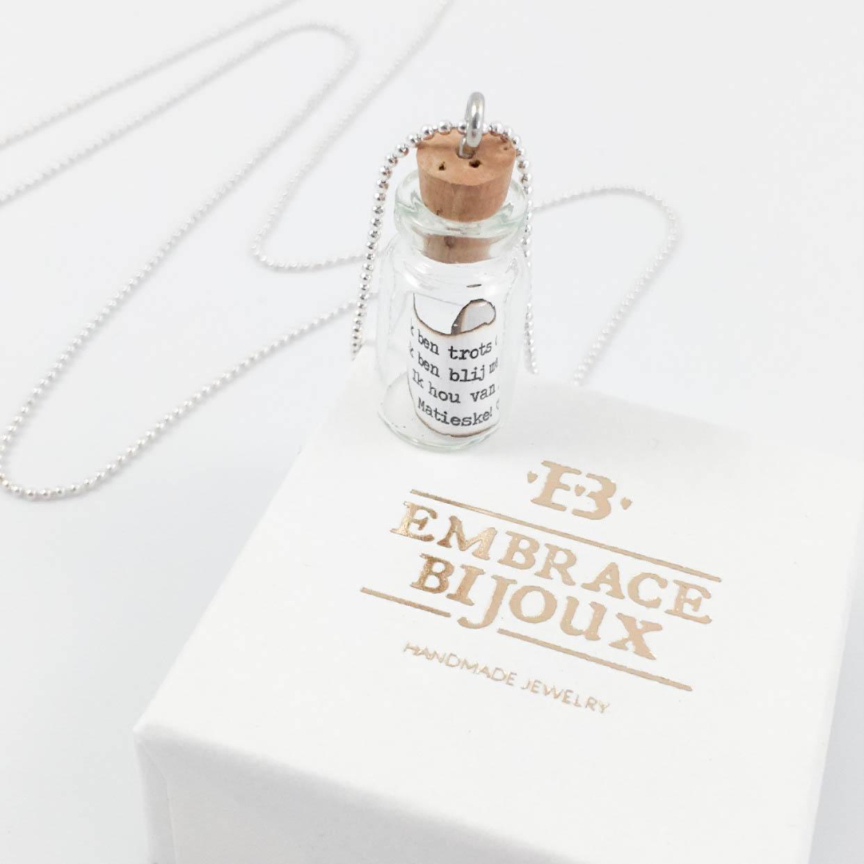 Message in a bottle kettin met flesje flessenpost briefje flesje