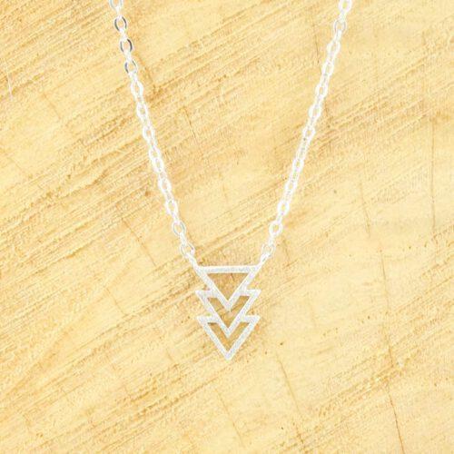 Ketting minimalistische driehoekjes zilver