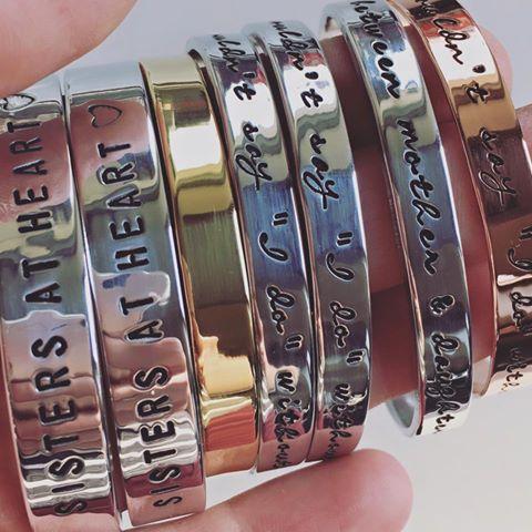 Persoonlijke armband met eigen tekst