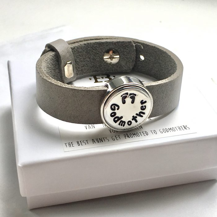 Leren armband met naam - datum - symbool sliders (verschillende lettertypen & kleuren leer)-9470