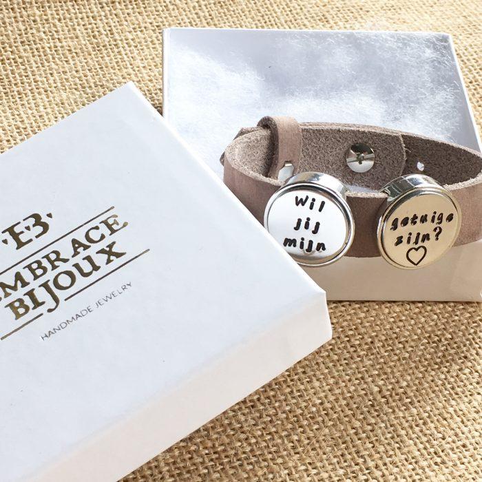 Leren armband met naam - datum - symbool sliders (verschillende lettertypen & kleuren leer)-8943
