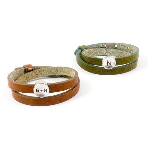 Leren wikkel armband met letter of symbool slider