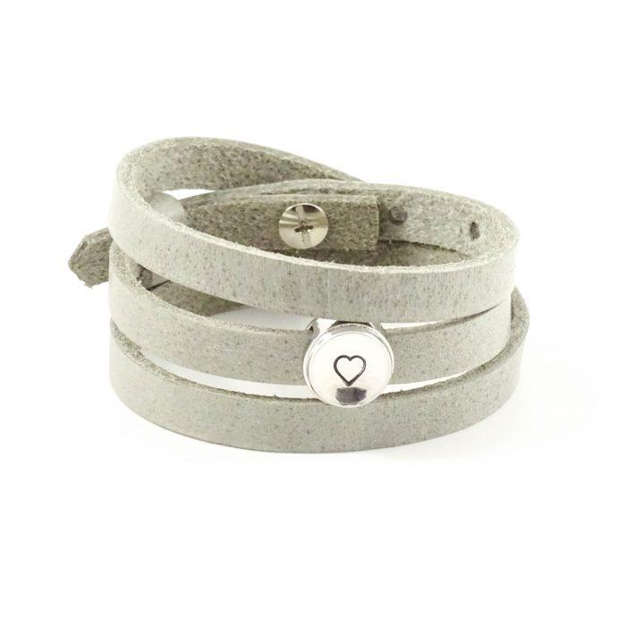 Leren wikkel armband met letter of symbool slider-9194
