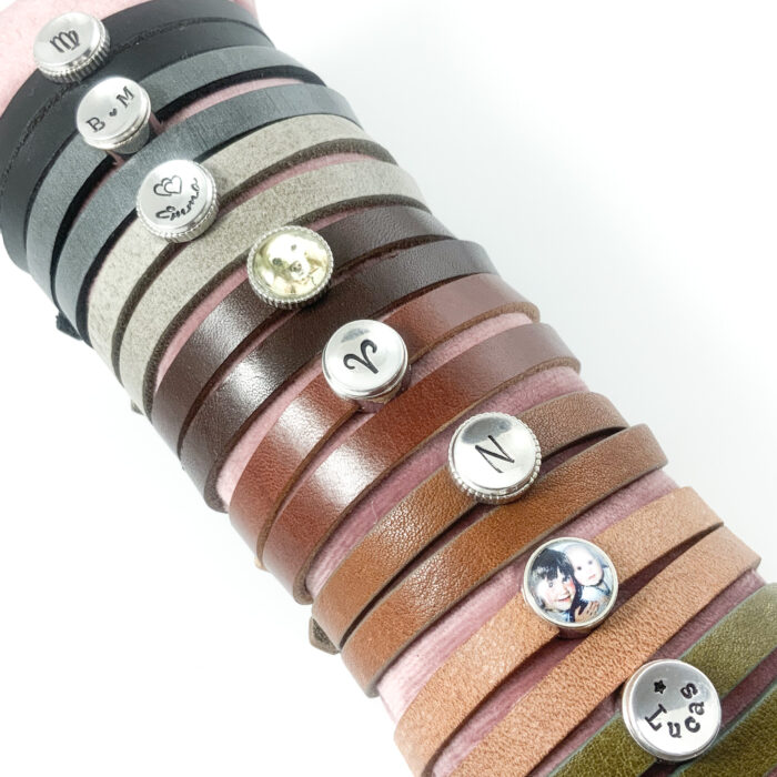 Leren wikkel armbanden armband van leer met naam sterrenbeeld symbool letter foto