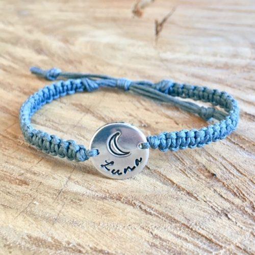 Geknoopt armbandje met naam en symbool