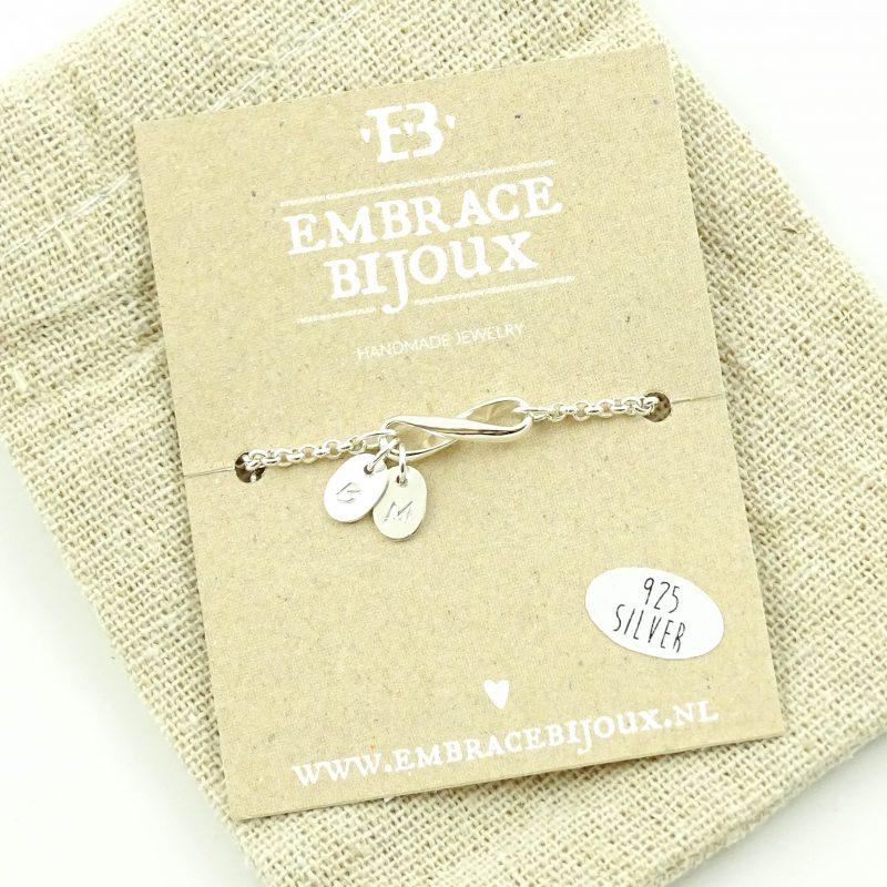 Infinity armbandje met letters 925 zilver-9573
