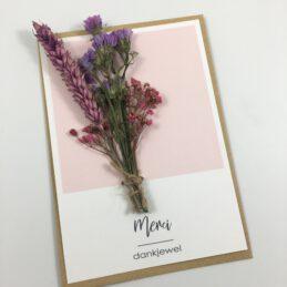 Wenskaart met droogbloemen merci / bedankt