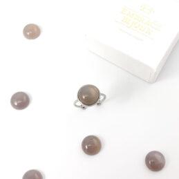 Ring met grijze agaat edelsteen rond – zilver stainless steel