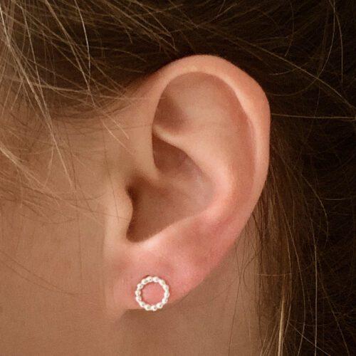 Minimalistische zilveren oorbellen cirkel tiny circle
