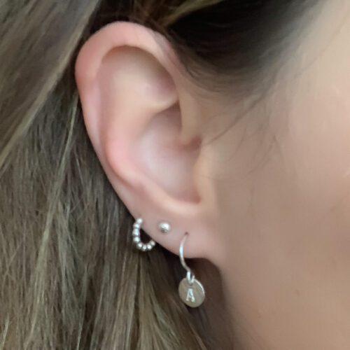 zilveren oorbellen met initiaal letter 925 zilver